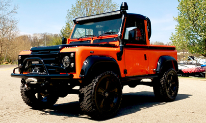 LAND ROVER DEFENDER 90 CUSTOM PICKUP